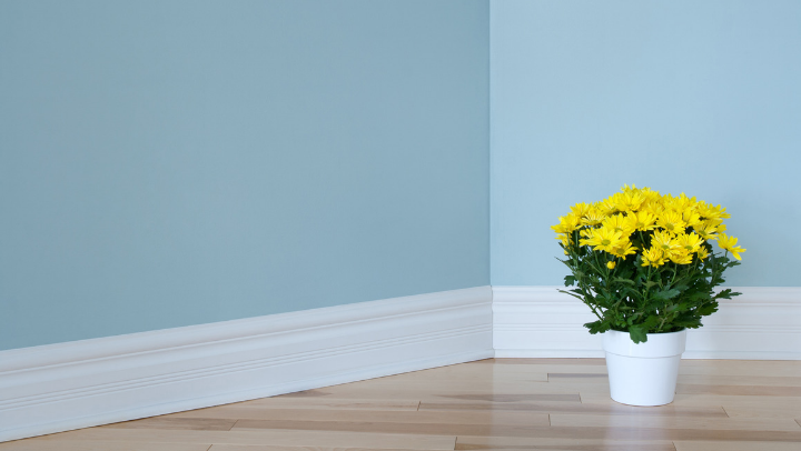 How to paint skirting board